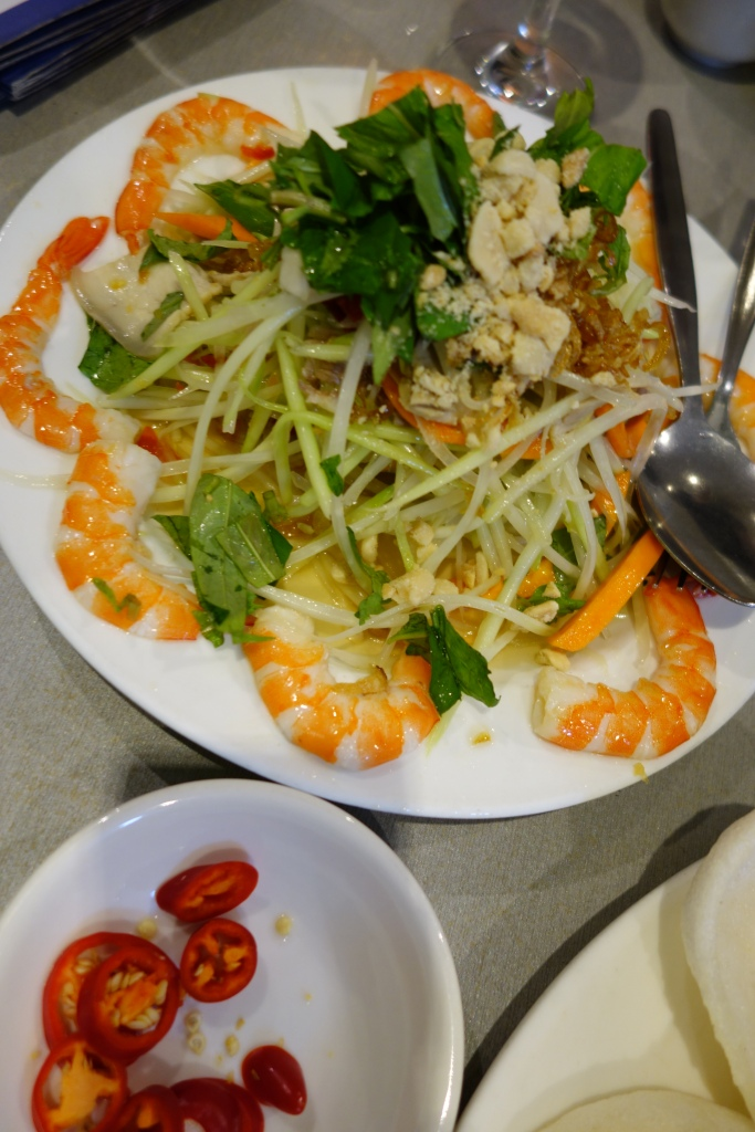 Green pawpaw salad with pork and prawn was fragrant and fresh